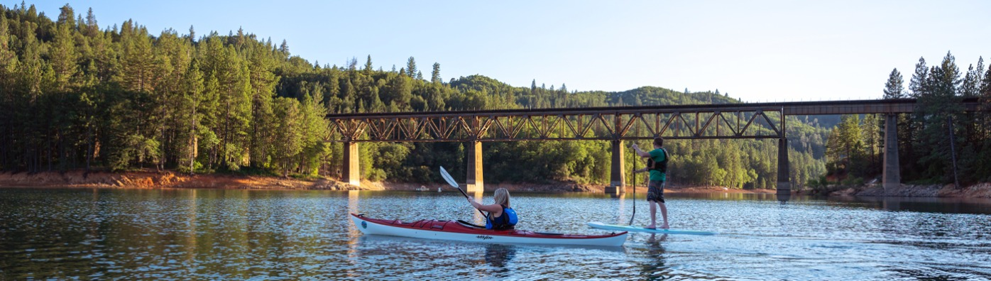 Kayaking and paddleboarding at Shasta Lake